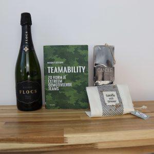 Flocs-cava-teamability-boek-sakkie-vol-sfeer-kerstpakket-GÖTT'S