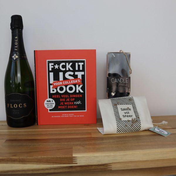 Flocs-cava-fucklistbookcollegas-boek-sakkie-vol-sfeer-kerstpakket-GÖTT'S