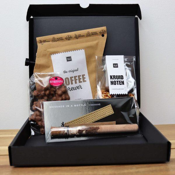 Sinterklaas-koffie-verwenpakket-chocomelk-GÖTT'S