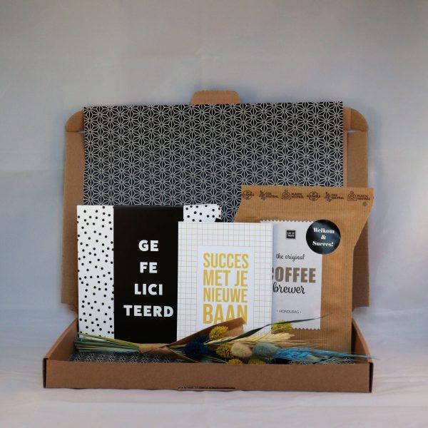 chocolade_kaart_koffie_droogbloemen_gefeliciteerd_nieuwebaan_succes_nieuwecollega_brievenbuscadeau_giftsbygötts