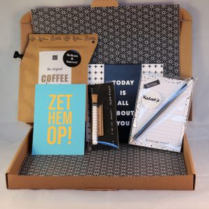 nieuwe_collega_nieuwe_baan_koffie_stationary_topper_mints_chocolade_verrassing_brievenbuspost_giftsbygötts