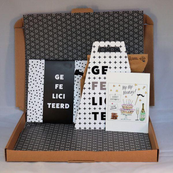 gefeliciteerd_chocolade_koffie_verrassing_cadeau_verjaardagscadeau_giftsbygötts