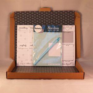 weekplanner_notitieblok_todolijst_potlood_cadeau_stationary__slowdown_luiaard_giftsbygötts