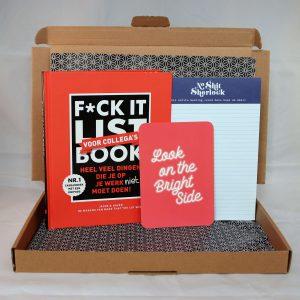 boek_humor_collega_kantoor_werkvloer_notitieblok_brightside_corona_motiveren_inspireren_giftsbygötts